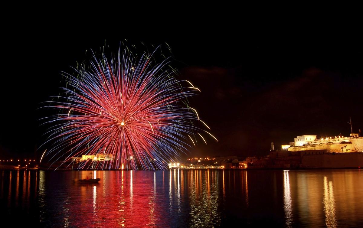 Festas-in-Malta-_-Fireworks-1-1200x754
